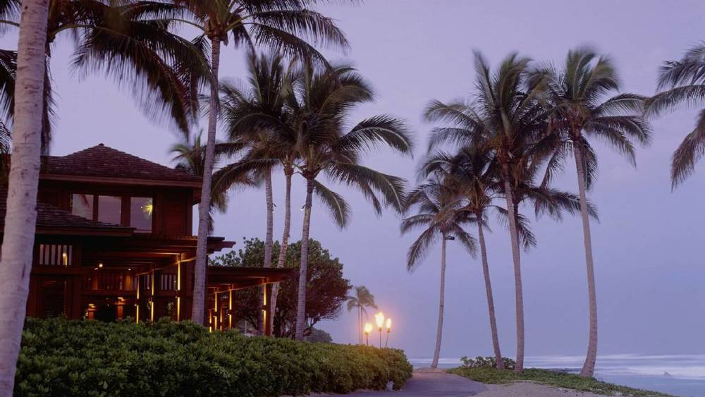 Four-Seasons-Hualalai-night