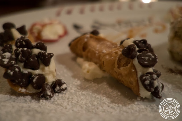 image of mini cannoli at Capizzi  in Hell's Kitchen, NYC, New York
