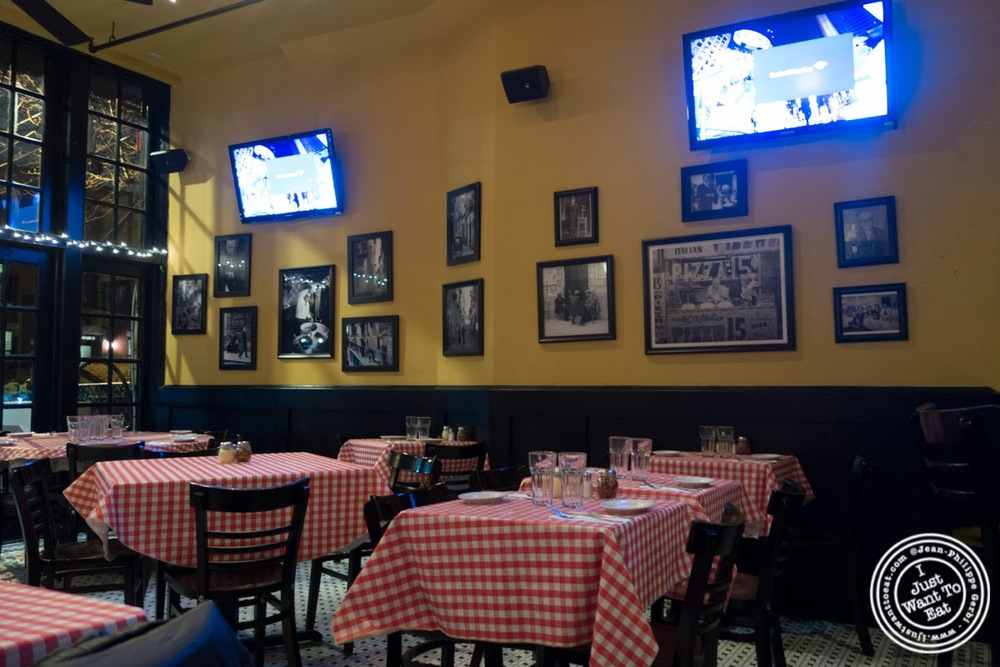 image of dining room at Johnny Pepperoni in Hoboken, NJ