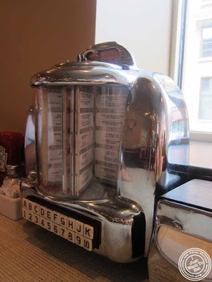 image of jukebox at Johnny Rockets in Hoboken, NJ