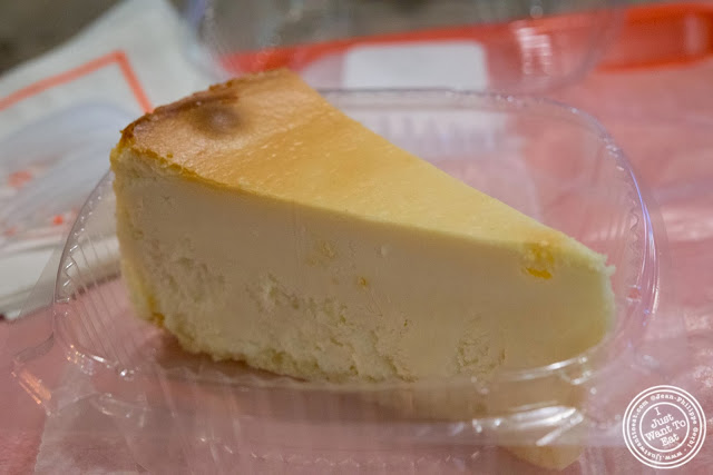 image of Junior's cheesecake in NYC, New York