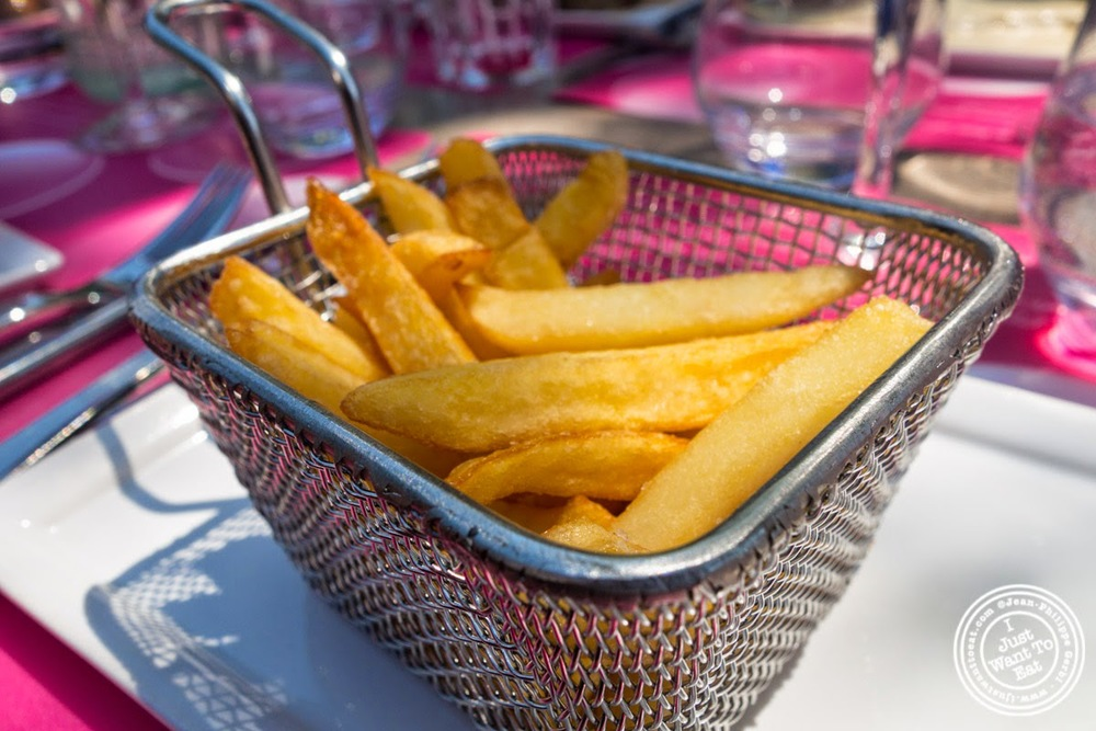 image of French fries at Le Lido Plage in Aix-Les-Bains, France
