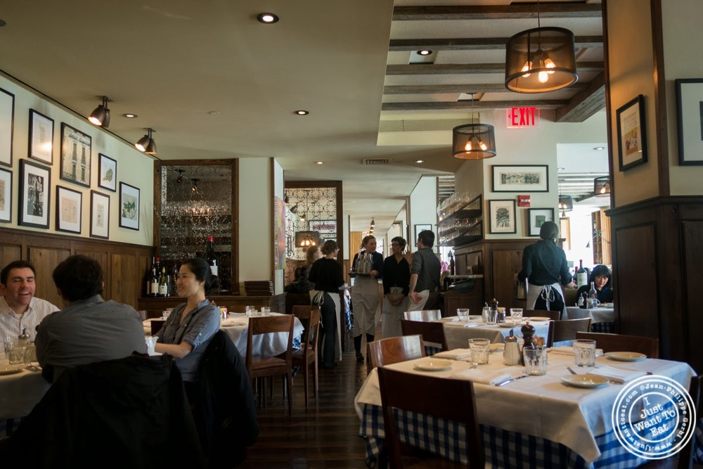 image of dining room at Maialino in NYC, New York