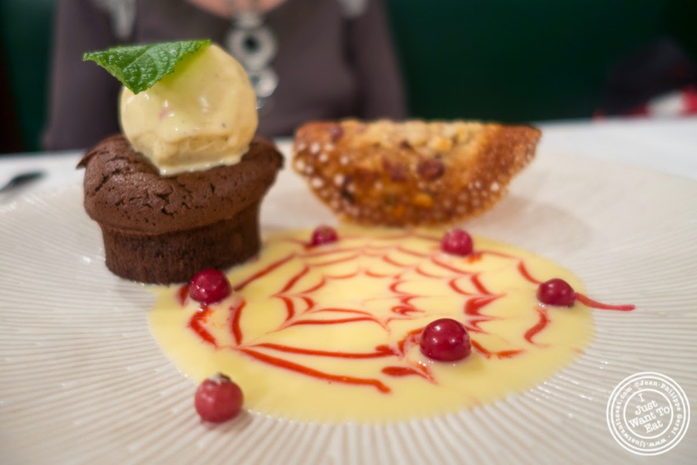 image of mi-cuit au chocolat at Le Chaudron in Tournon, France