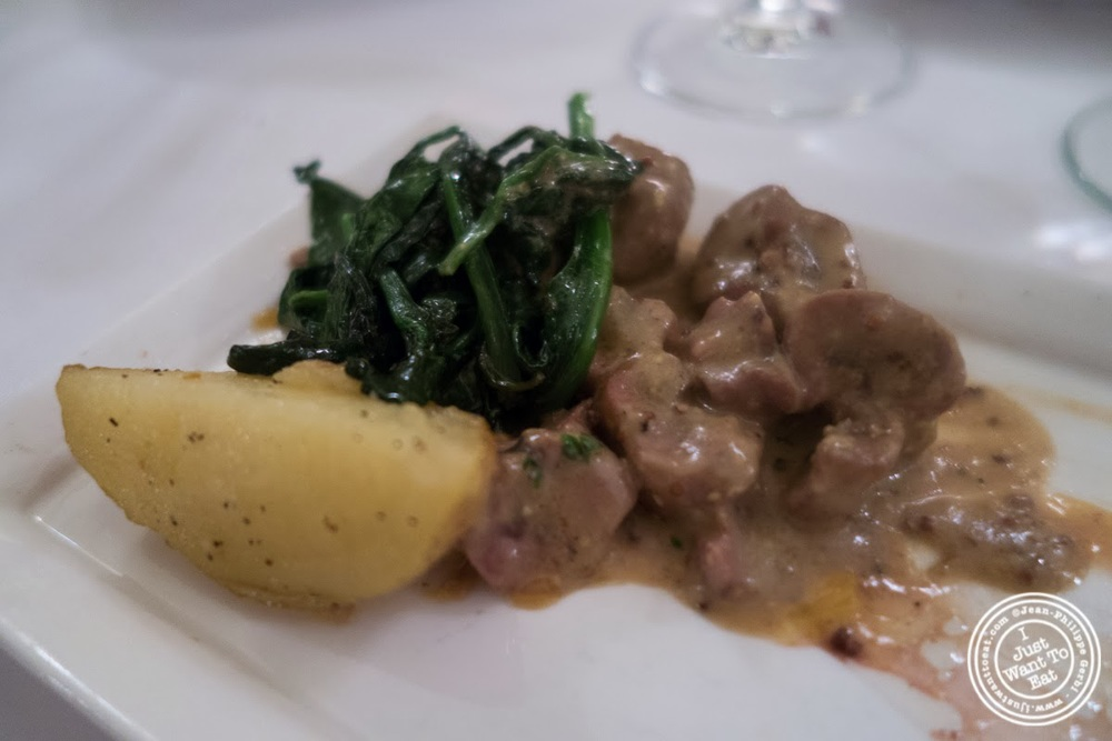 image of veal kidneys at Sel et Poivre on the Upper East Side, NYC, New York