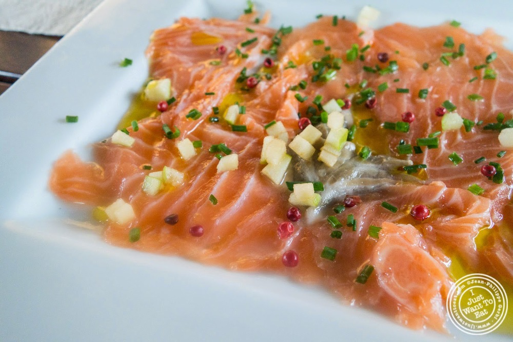 image of Salmon carpaccio at L'Eden in Coublevie, France