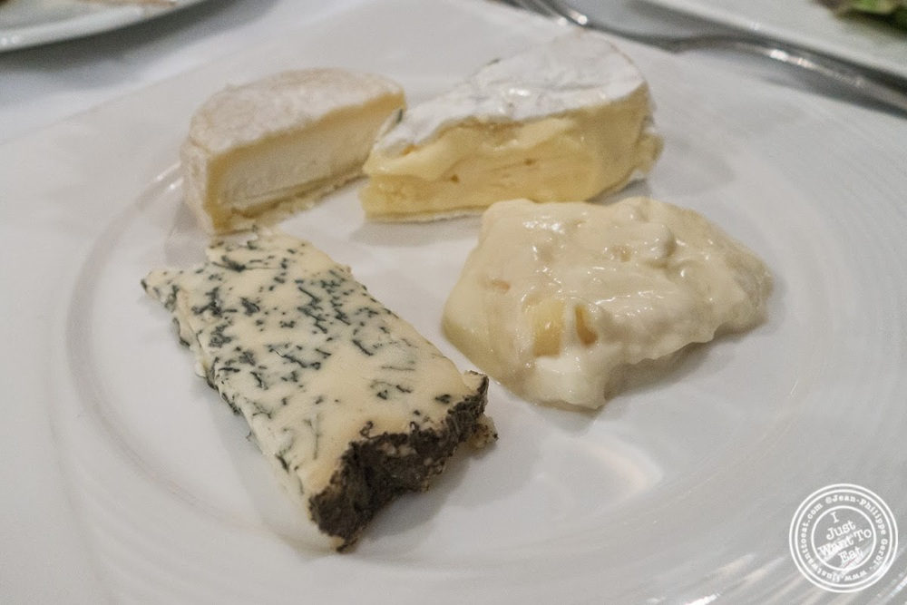 image of cheese plate at Le Chaudron in Tournon, France
