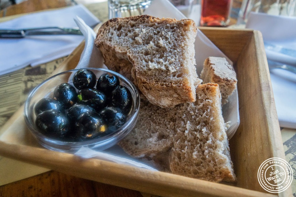 image of olives and bread at Borgo Antico in Florence, Italy