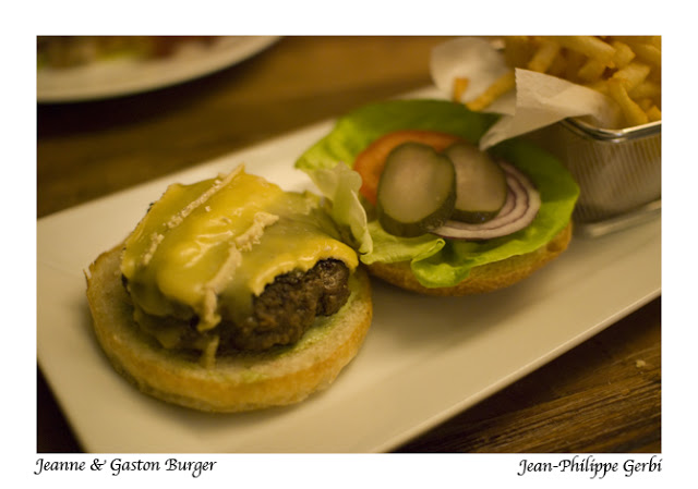 Image of Brie burger at Jeanne et Gaston in NY, New York