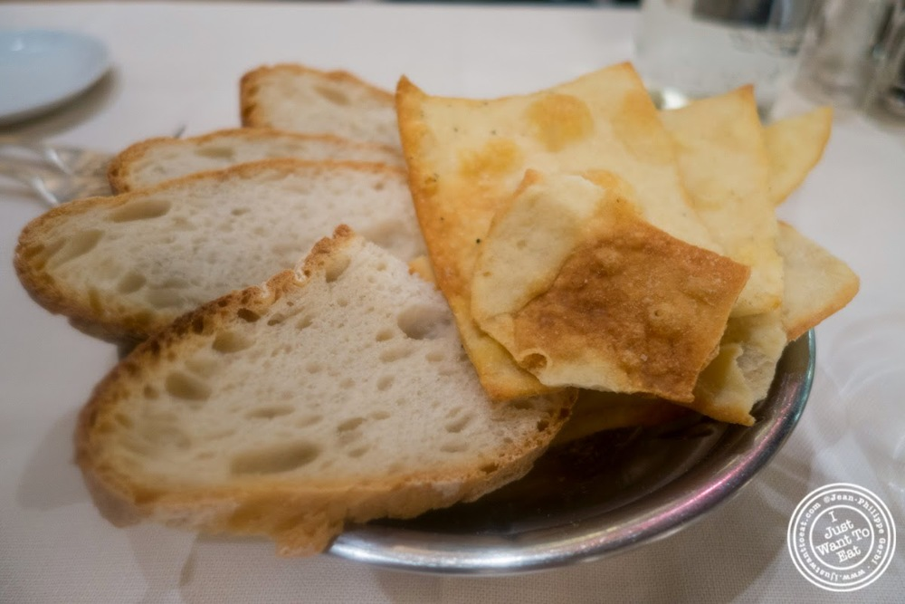 image of bread basket at Il Caminetto in Florence, Italy