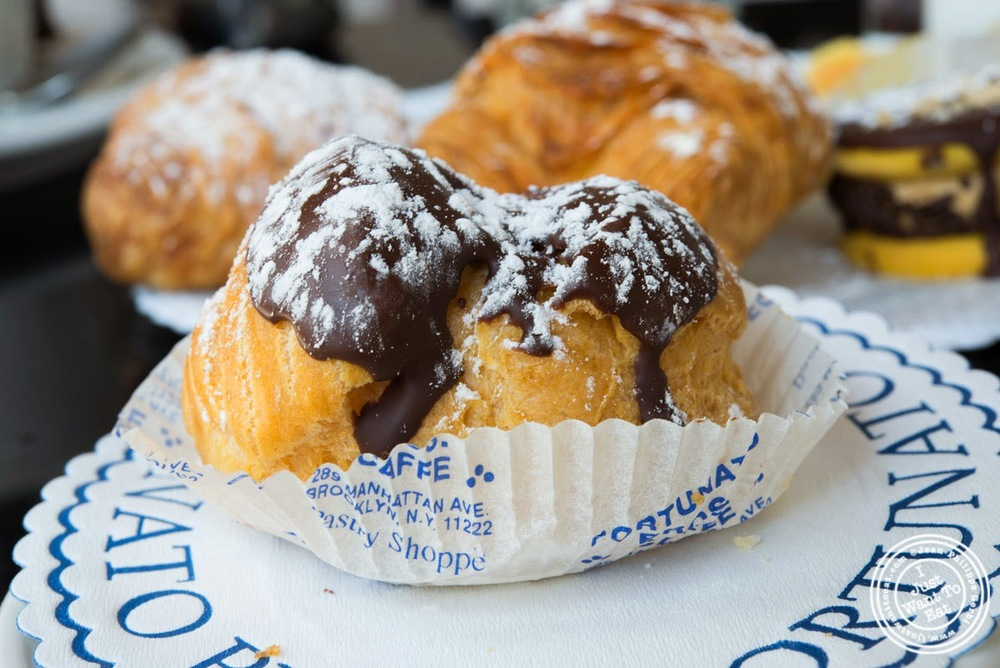 image of cream puff at Fortunato Brothers, Italian Bakery in Williamburg, Brooklyn, NY