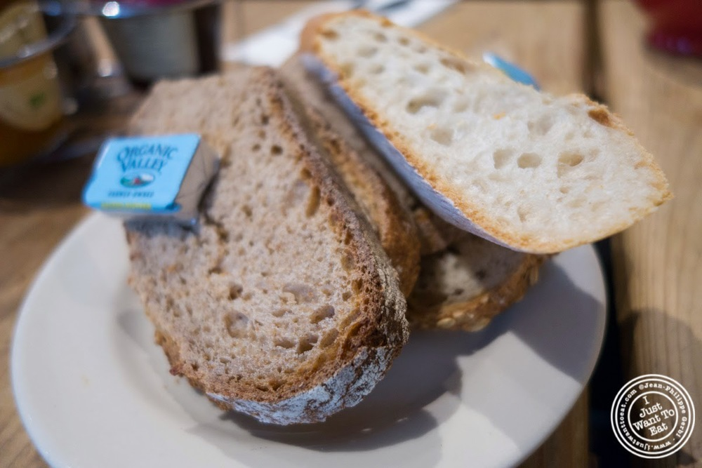 image of organic bread at Le Pain Quotidien in Tribeca, NYC