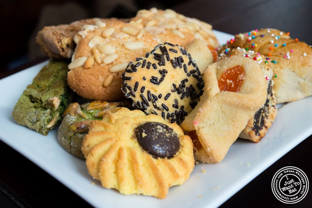image of cookies at Fortunato Brothers, Italian Bakery in Williamburg, Brooklyn, NY