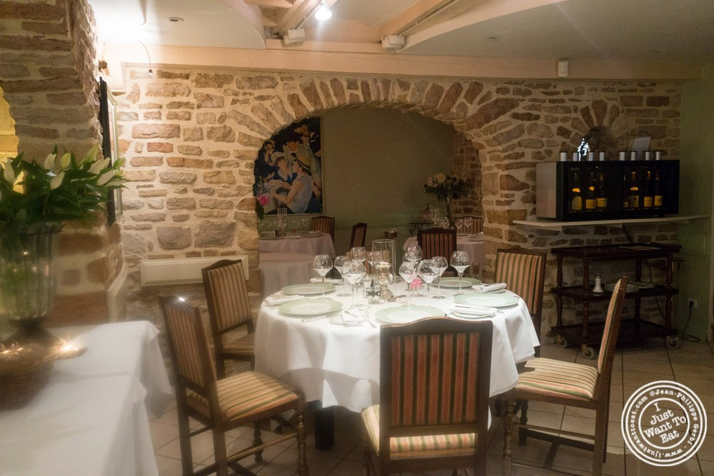 image of Dining room at Pierre in Macon Bourgogne, France
