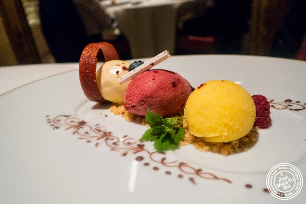 image of sherbet and ice cream at Le Rempart in Tournus, France