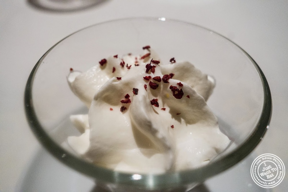image of Orange blossom cream at Le Rempart in Tournus, France
