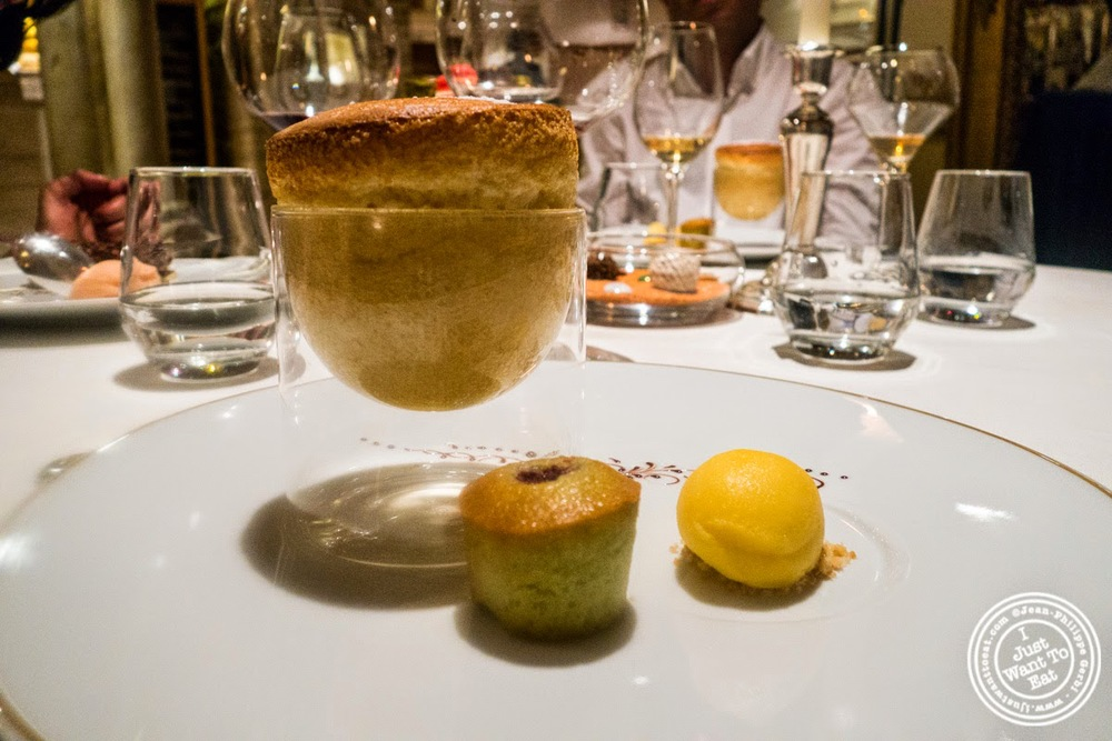 image of Grand Marnier souffle at Le Rempart in Tournus, France