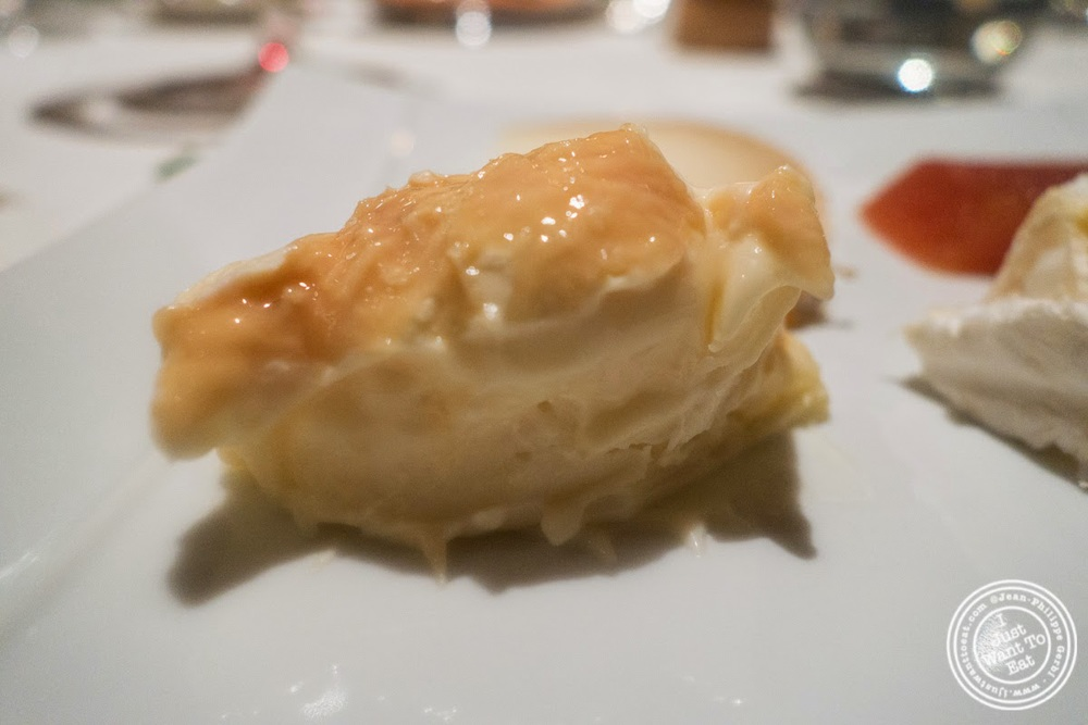 image of Epoisse cheese at Le Rempart in Tournus, France
