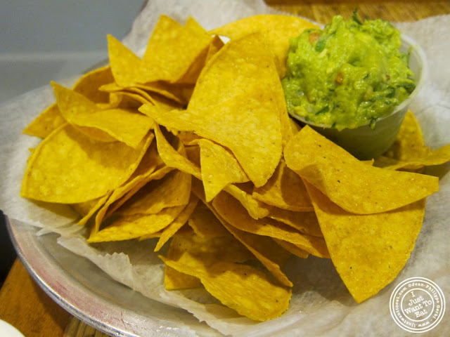 image of guacamole and chips at Pinche Taqueria in NYC, New York