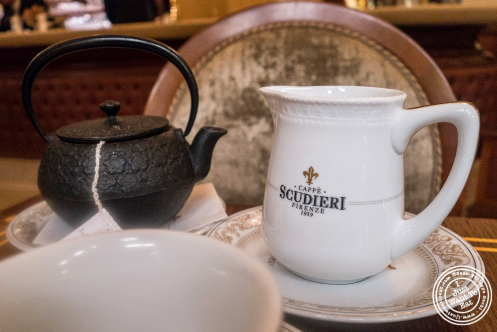 image of tea at Caffè Scudieri in Florence, Italy
