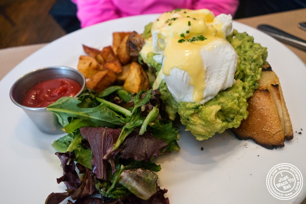 image of eggs and avocado at Sel De Mer in Brooklyn, NY