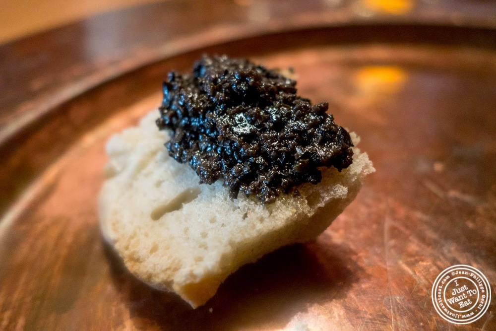 image of bread and tapenade at Osteria Santo Spirito in Florence, Italy