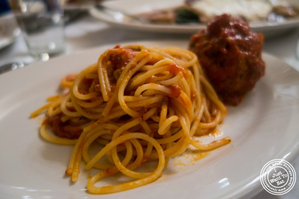 image of spaghetti and meatballs at Carmine's in NYC, New York