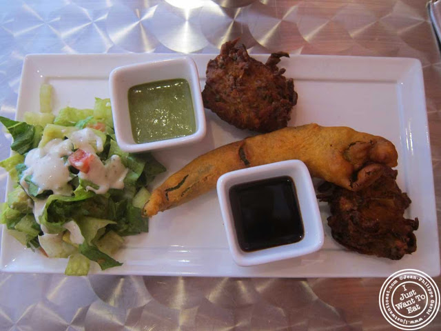 image of vegetarian appetizers at Hoboken Dhaba, New Jersey NJ
