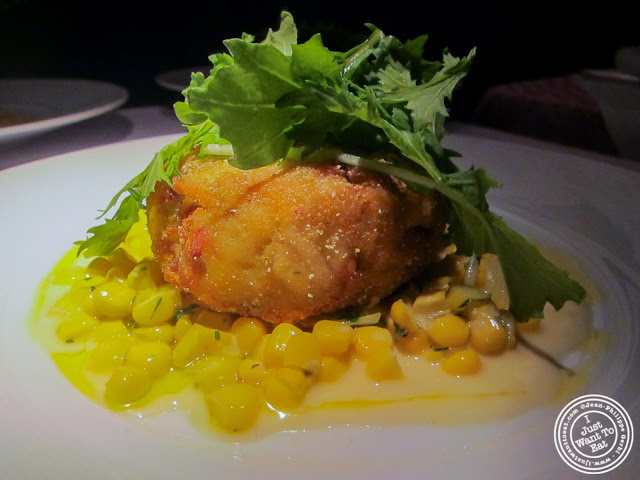 image of crab cakes at 21 Club in NYC, New York