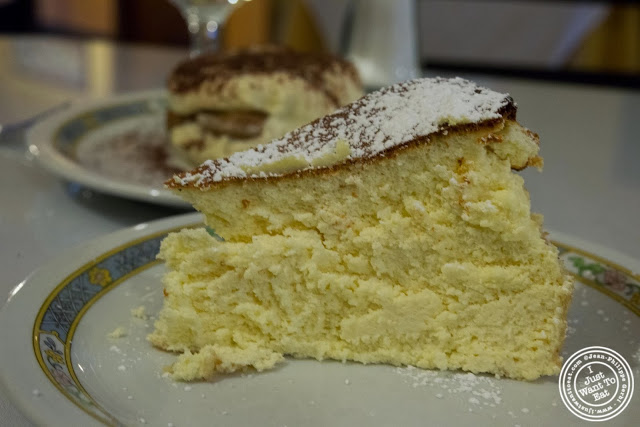 image of Italian cheese cake at Il Colosseo in Bensonhurst, Brooklyn, New York