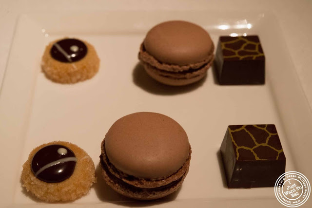 image of cookies at Gramercy Tavern in NYC, New York