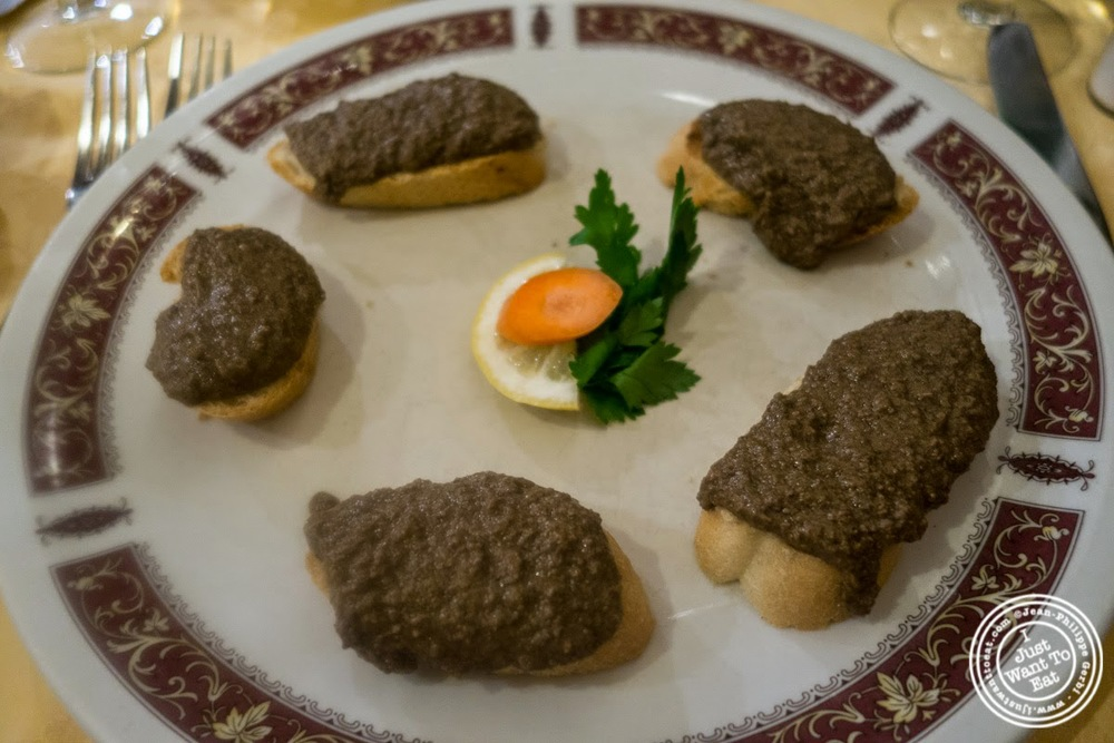 image of chicken liver crostini at Mamma Gina in Florence, Italy