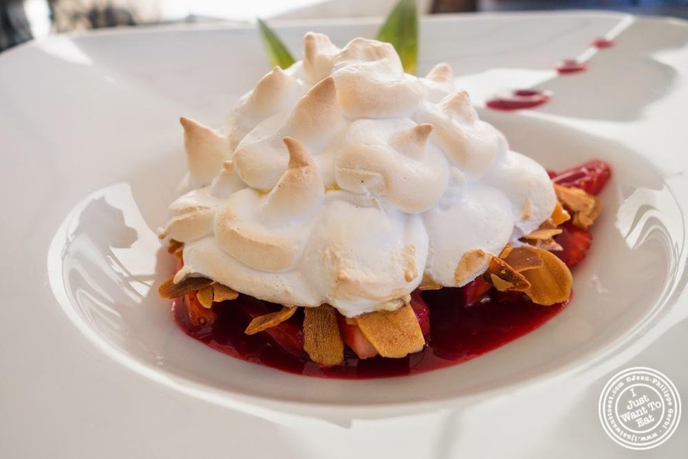 image of meringue dessert at Les Jardins de Sainte-Cécile in Grenoble, France