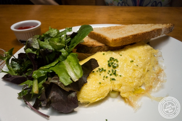 Omelet a  Montmartre in New York, NY