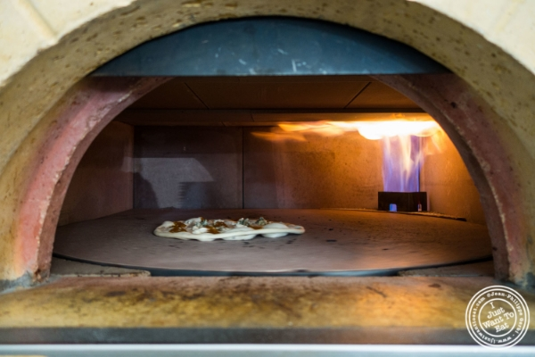 how to use a gas pizza oven