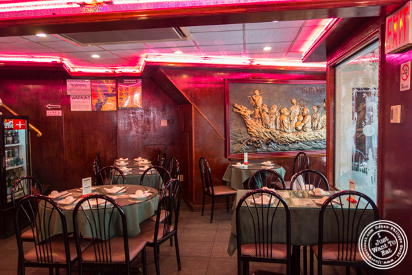 Dining room at Joe's Ginger in Chinatown, NYC, New York