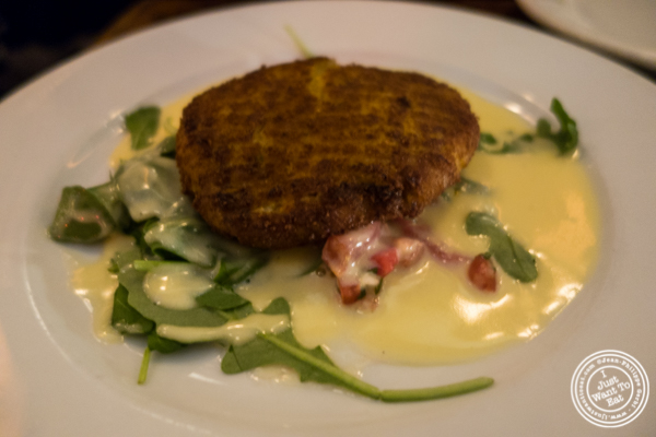Crab cake at Edward's in Tribeca