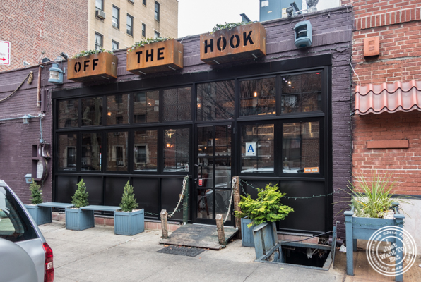 Off The Hook, Raw Bar and Grill in Astoria, Queens