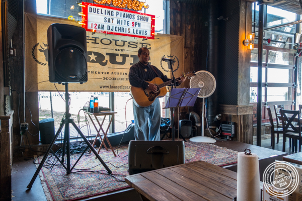 Singer at House of Que in Hoboken, NJ