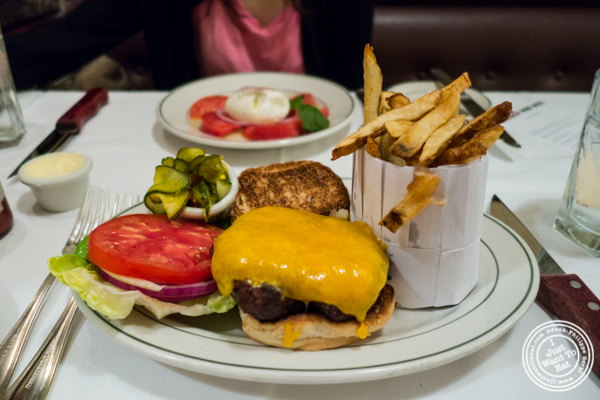 Burger at Smith and Wollensky in NYC
