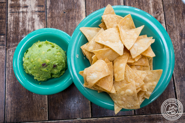 Guacamole and chips at La Cholita Linda in Oakland, CA