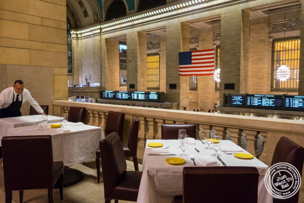 Dining room at Michael Jordan's Steakhouse in Grand Central Terminal
