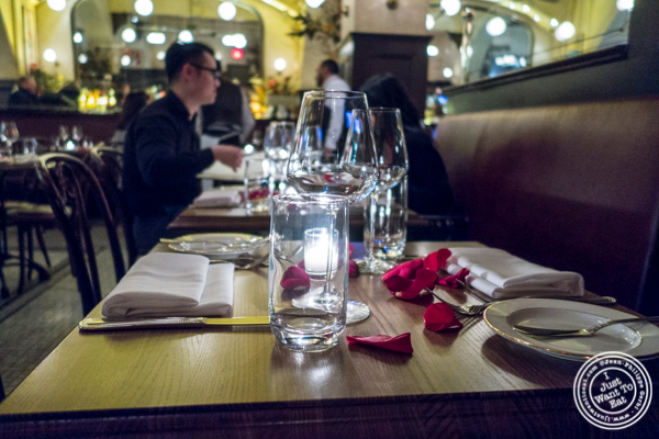 Table with rose petals at Boucherie Park Avenue South