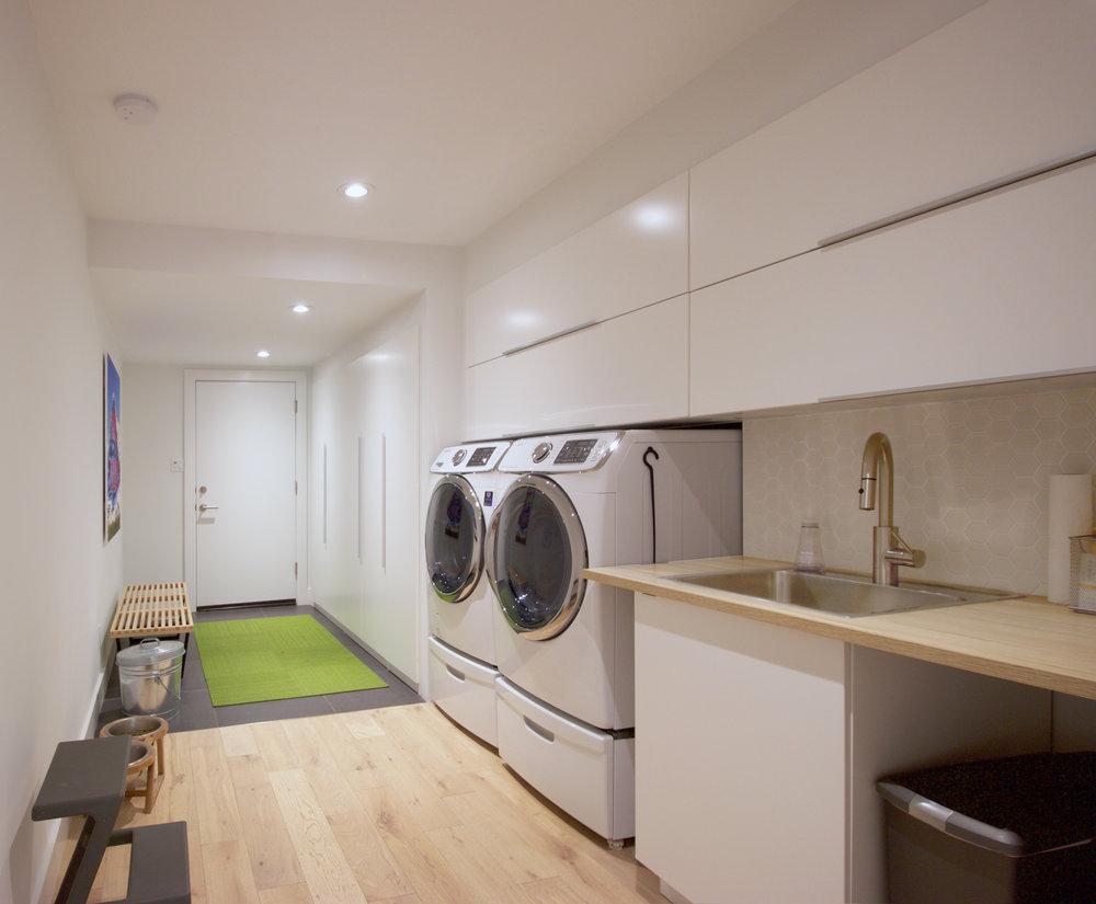 Lakemont_Laundry.jpg