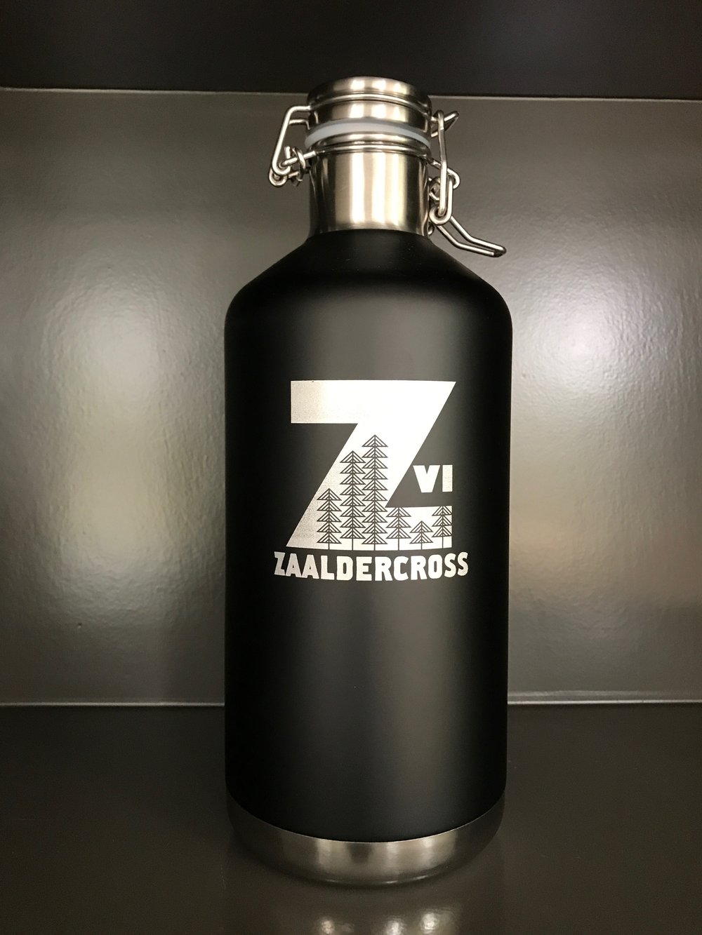 I love growlers, who doesn't? But what about a custom insulated Z6 growler from Klean Kanteen?  The only way to get one of these beauties is to win your race at Zaaldercross.  OR if you're not the fastest dude or dudette on the day, you still have a shot through the Zaalderaffle.  I want one.