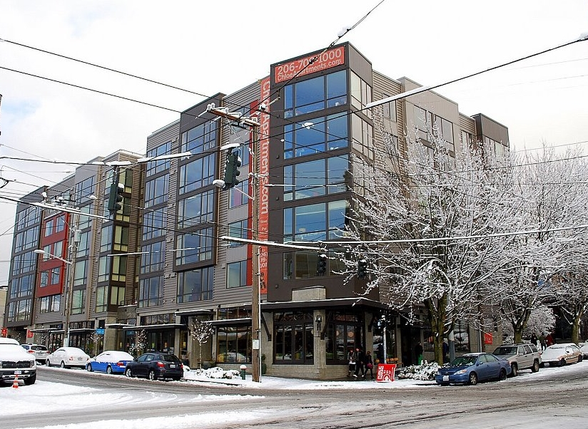 Chloe Apartments