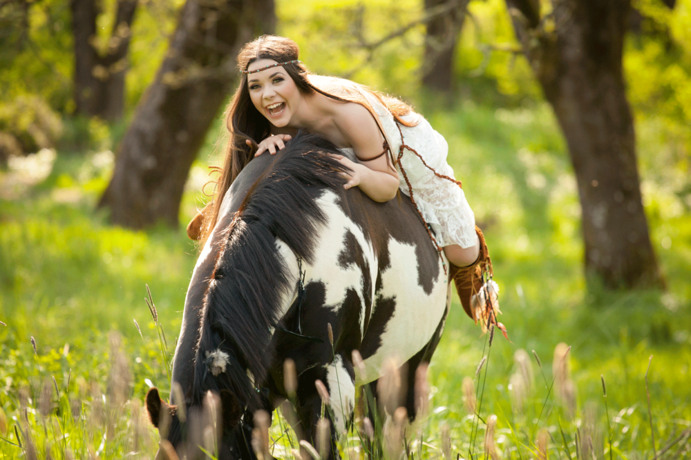 madison-outdoor-Salem, Oregon-senior-portrait-on-horse.png