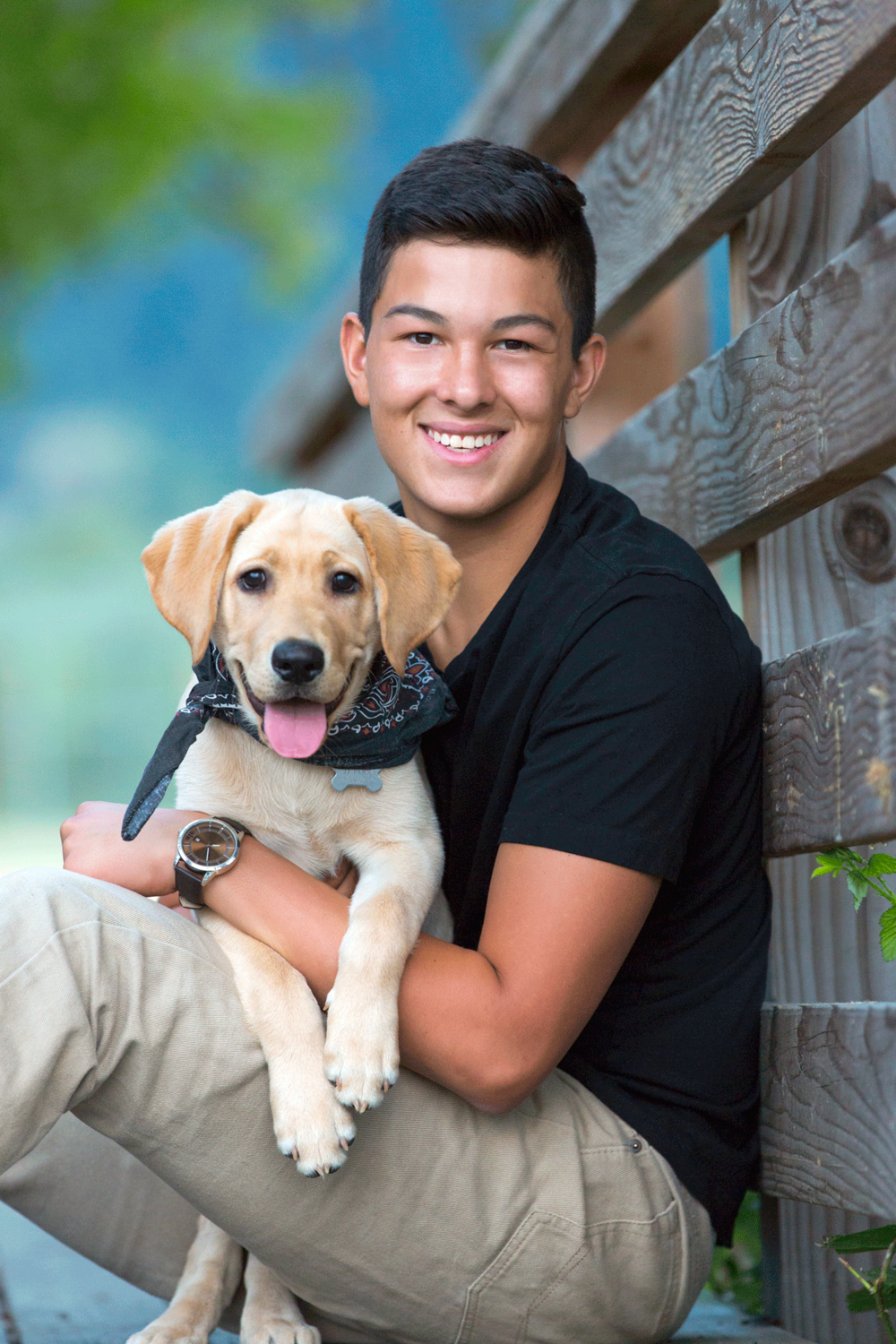 senior pictures with dog, corvallis oregon-outdoors-handkerchief-bridge