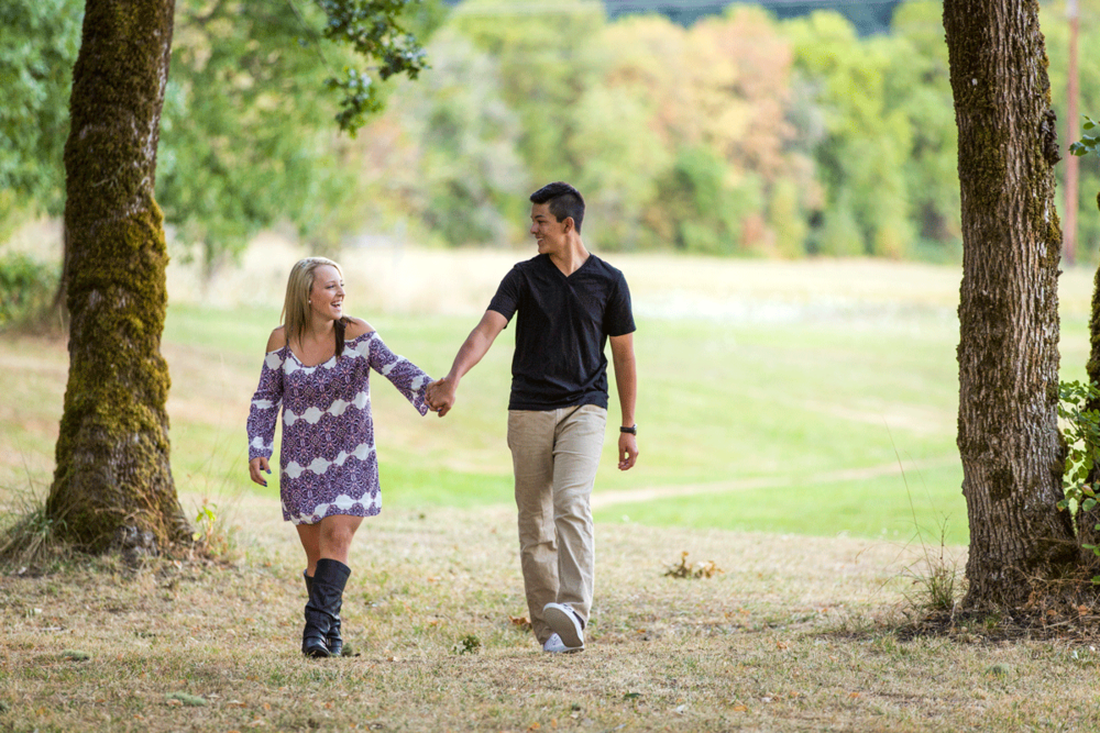 senior pictures with boyfriend-couple-girlfriend-outdoors-holding hands-dress-corvallis-oregon