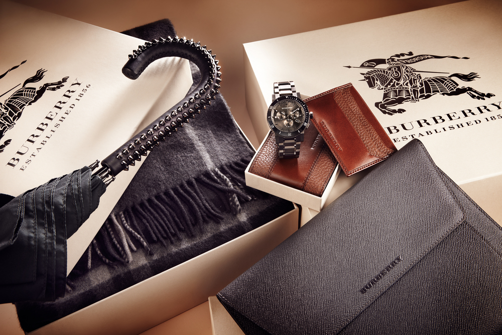 Burberry_Gifts_Mens_Slideshow_167271330_EDITORIAL 001.jpg